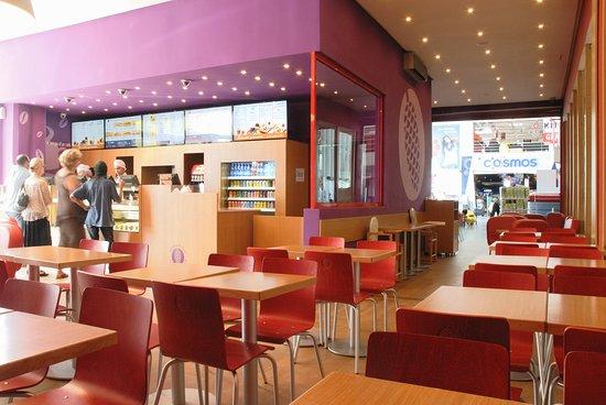 Pomme De Pain Maroc: Sandwich-Café Rabat Hay Riad