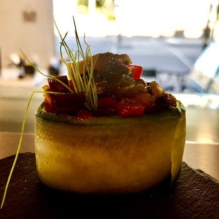 Gunkan Sushi mit Gurkenrelish