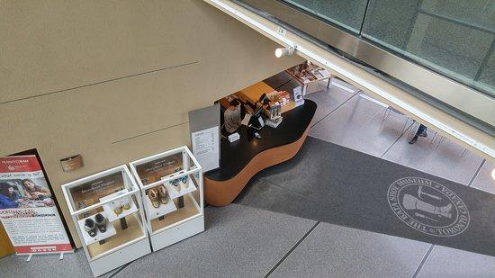 Bata Shoe Museum: Lobby