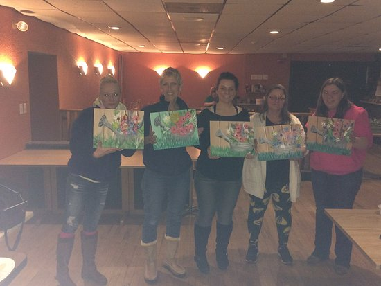 Lake Ariel, PA: Paint & Sip parties!