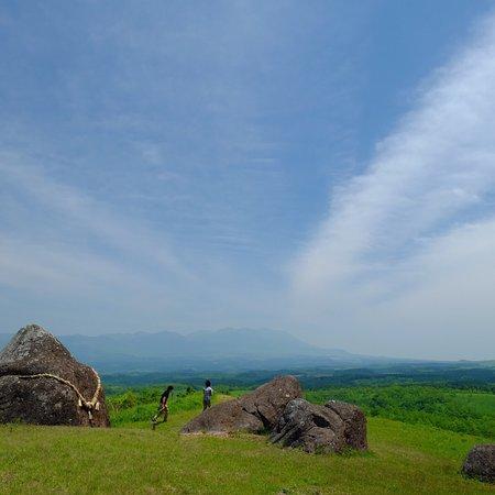 押戸石の丘 これから絶景がみられます 雲海、星空、青と緑が最高です。