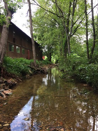 Garfield, أركنساس: -View of Retreat from Sugar Creek