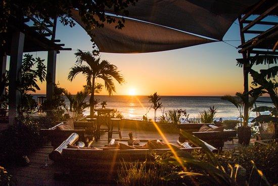 Puerto Sandino, Nicaragua: Ocean front lounge