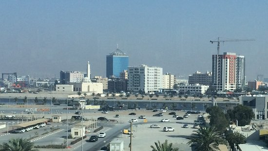 Ajman Hotel: рядом с отелем.