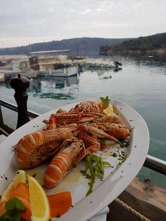 Valun, Croatia: 20180411_182739_large.jpg