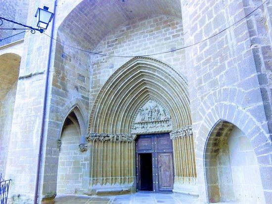 Iglesia-Fortaleza de Santa María de Ujue