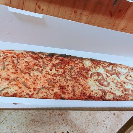 Ternate, Włochy: Pizza da un metro