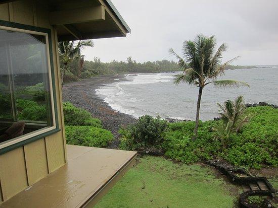 Hana Kai Maui: beach view from porch-unit 5