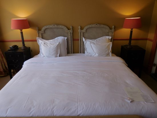 Paleis Hotel: Very soft bed