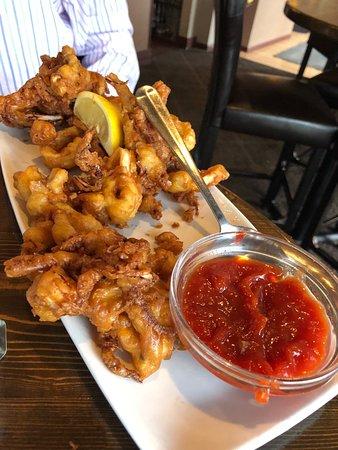 Mundelein, IL: Fried calamari appetizer