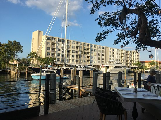 Boatyard Restaurant: Our view down the channel