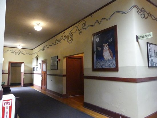 McMenamins Kennedy School 사진