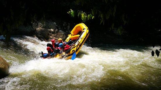 Rafting e passeios de boia por rios