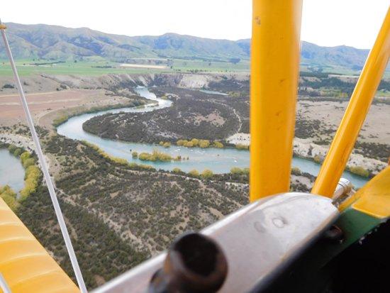 Classic Flights: Clutha River below