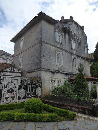 """Bussaco, البرتغال: Ein Nebengebäude am """"Palast von Bussaco""""."""