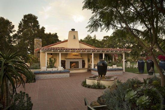 Rancho Santa Fe, CA: Exterior