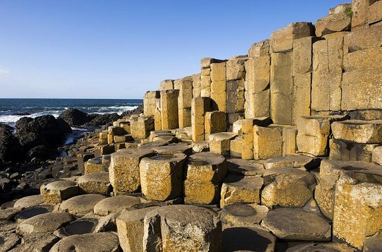 Belfast, Giant's Causeway and Game of Thrones with Spanish Speaking...