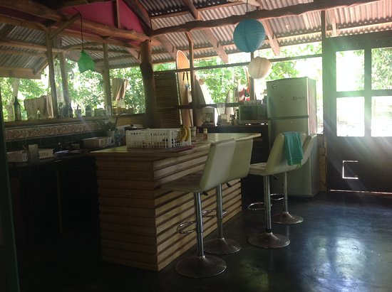 Playa Negra, Costa Rica: shared kitchen cuisine partagée