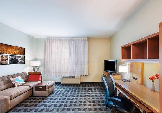 Owasso, OK: Guest room