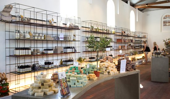 Seppeltsfield, Australia: Visitors can try the variety of natural olive oil based skin care