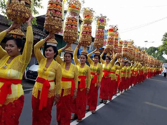Kedewatan, Indonesia: Balinese Tradition