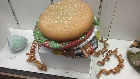 Corning, نيويورك: glass cheeseburger