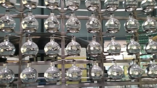Corning, نيويورك: glass periodic table of elements