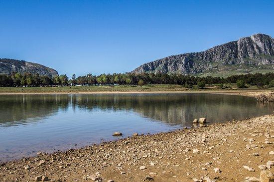 Lago di Piana degli Albanesi