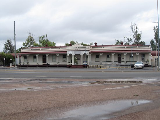 ‪Longreach Railway Station‬