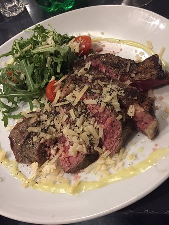 Lija Bocci Clubhouse: Our sirloin steak cooked to perfection!