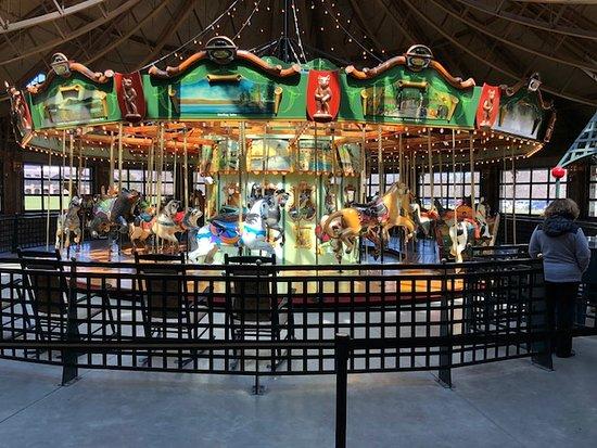 Bear Mountain, NY: Carousel