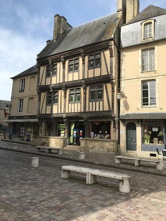 Lace Conservatory in Hotel du Doyen (Dentelle de Bayeux)