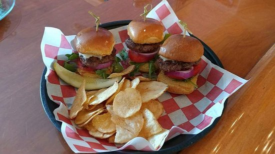New Boston, NH: All American Sliders