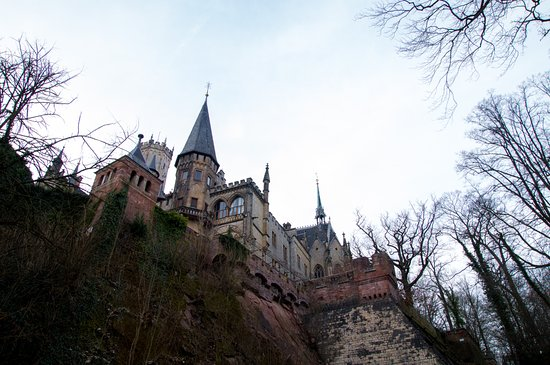 Pattensen b Hannover, Niemcy: Einfach mal den Pfaden herum um das Schloss gefolgt