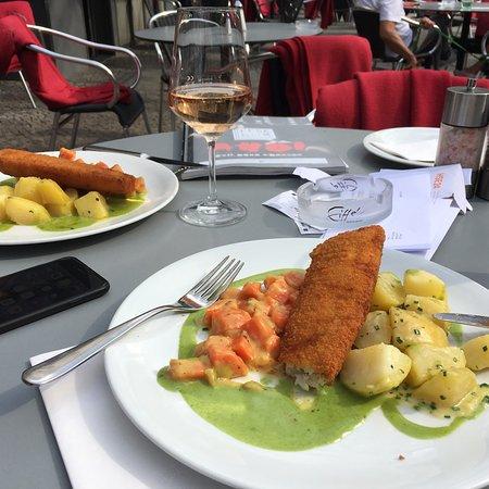 Eiffel berlin restaurant reviews phone number photos for Eiffel restaurant berlin