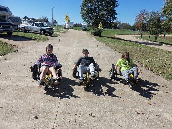 Forsyth, MO: Pedal Karts for rent