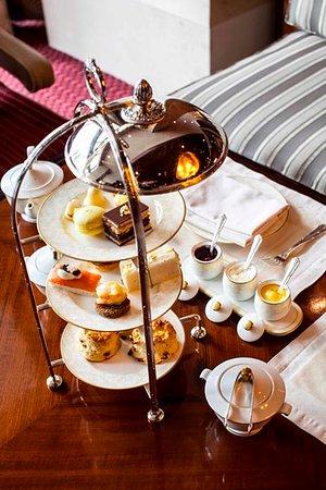 لوبي لاونج: Lavish Afternoon tea awaits you 
