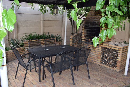 Benoni, South Africa: Cosy winters and traditional South African braai/barbecue for guests