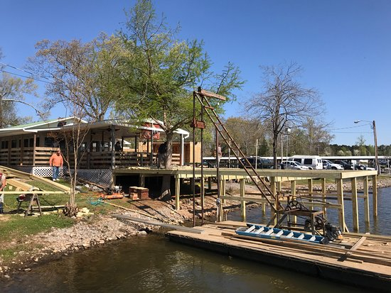 ‪‪Scottsboro‬, ألاباما: On the water dining area is nearing completion!‬