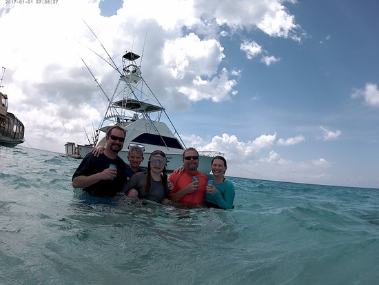 George Town, Grand Cayman: At Stingray City