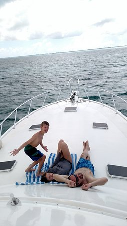 George Town, Grand Cayman: Cruisin'