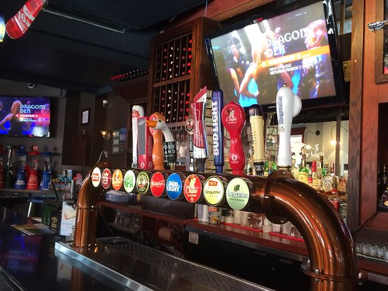 Casey's Bar & Grill: The bar in Caseys.