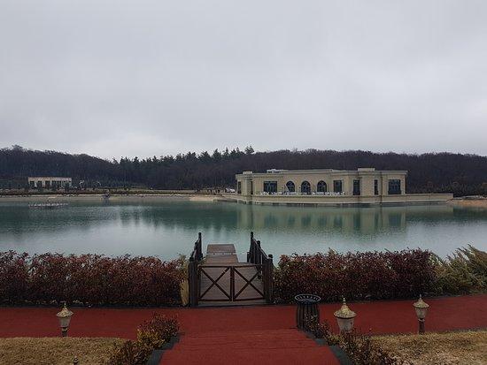 Quba, Azerbaycan: Artificial lake with a restaurant