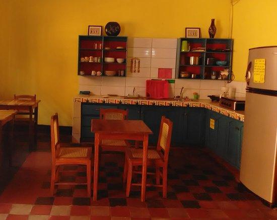 Hostal Casa Ivana: Our open kitchen