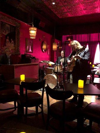 Crowne Plaza Hotel Kansas City Downtown Green Lady Lounge Cool Kc Jazz