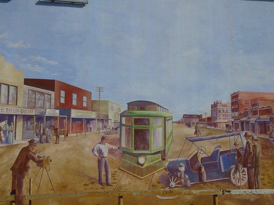 Historical Murals of San Angelo: Early transport problems!