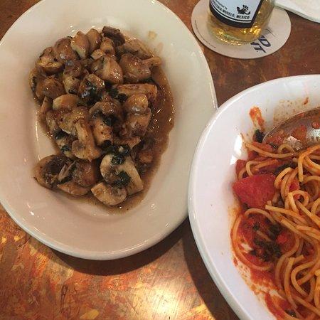 Grazie Ristorante Italiano: Substitute mushrooms for cheese ;) ... delish!