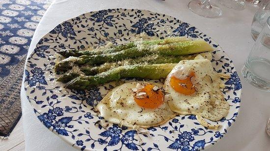Asparagi, uova e tartufo