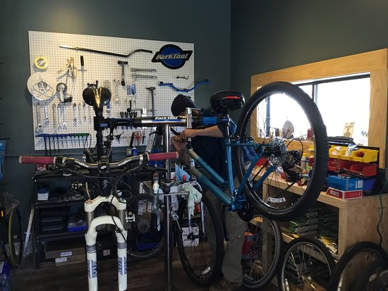 Norwood, CO: Getting bikes together