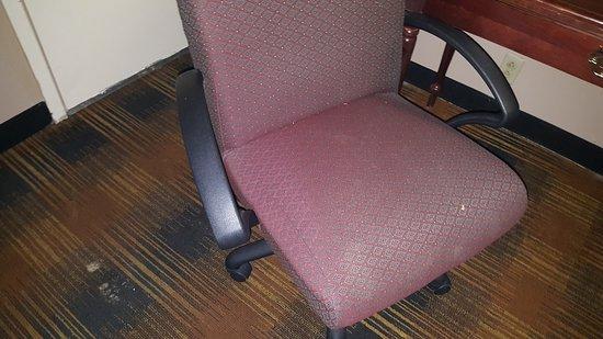 Ruther Glen, VA: Broken Chair